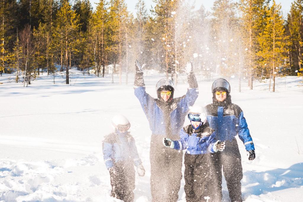 Family snowmobile tour in Rovaniemi